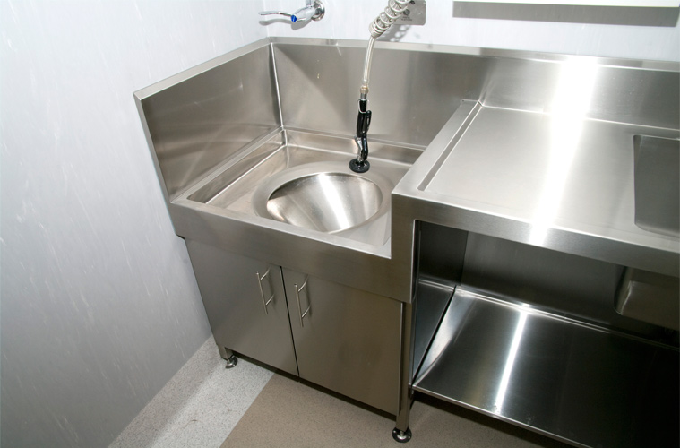 Western Stainless Solutions - Flushing Rim Bench